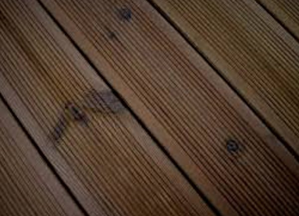Thermowood-Redwood-D-decking